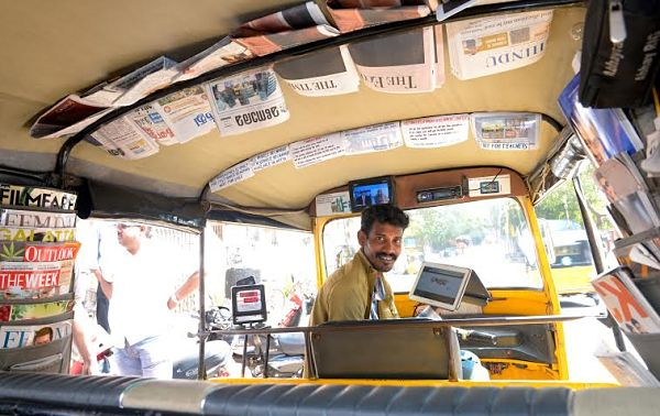 "क्रिएटिव ""ऑटो अन्ना"" की शानदार कहानी – Story of Amazing Auto Driver Annadurai"
